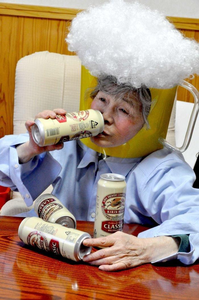 funny-self-portraits-kimiko-nishimoto-89-year-old-7-5a0a9e0a544fa__700