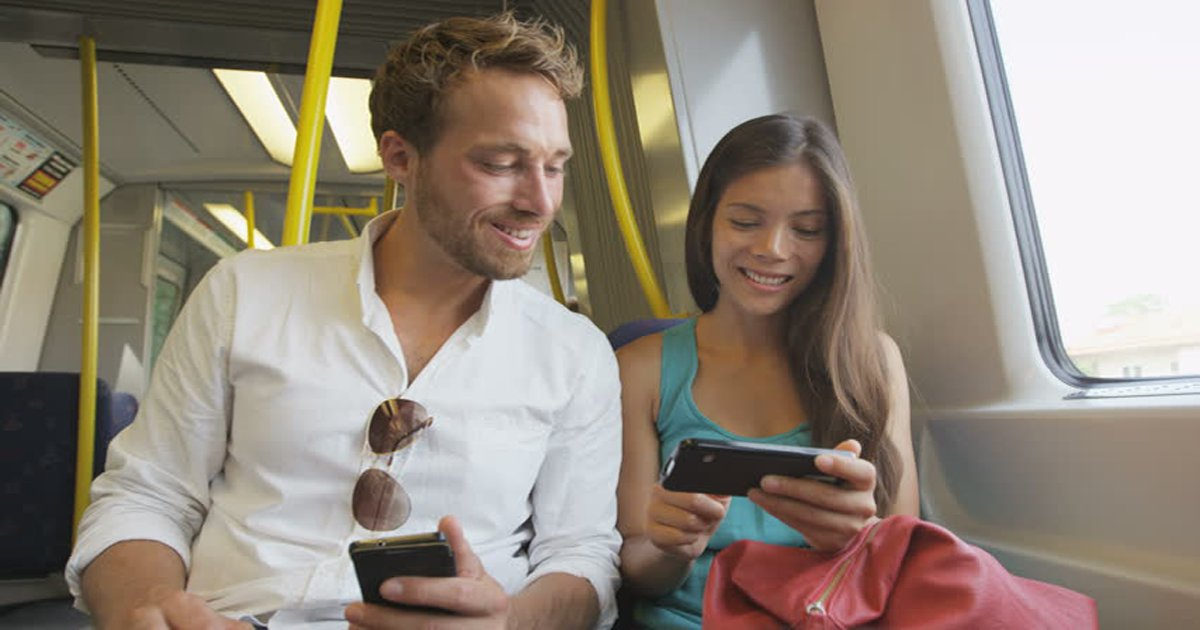 hghgh.png?resize=648,365 - Pesquisa revela que pessoas que conversam com desconhecidos no transporte público são mais felizes