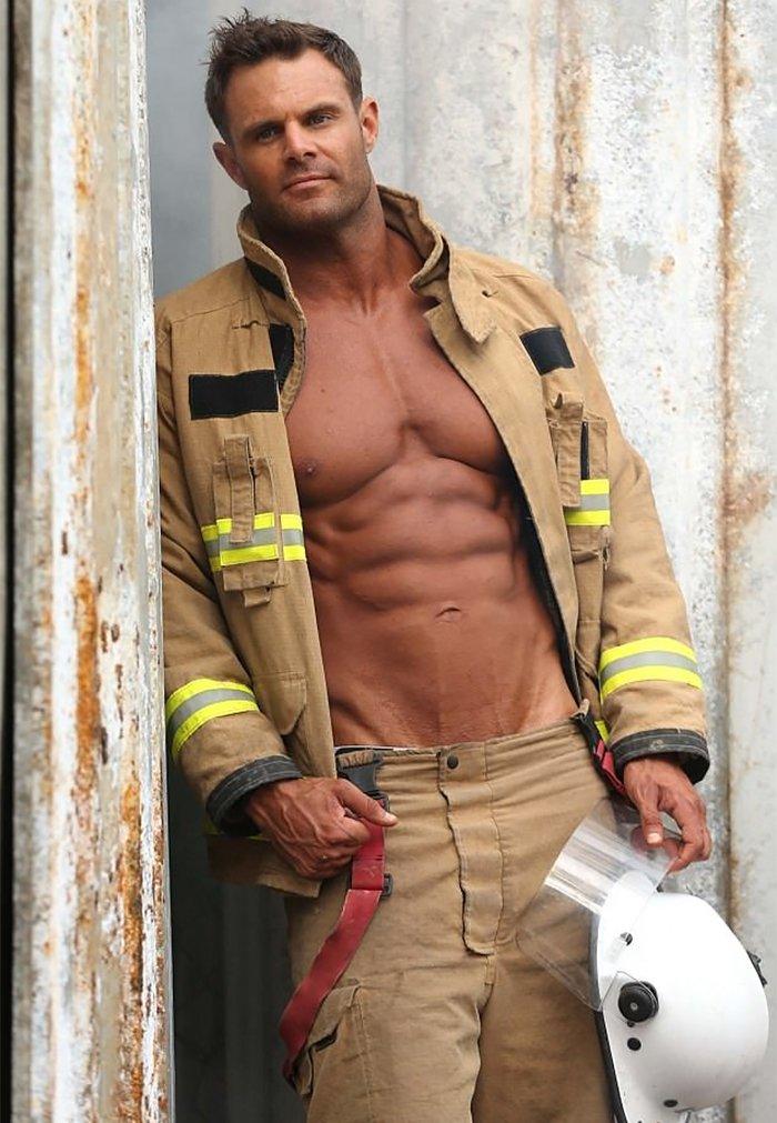 hot-calendar-shoot-firefighters-australia-13-59df0f762d899__700