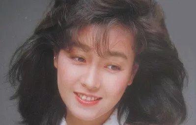 img 5a0afb997d8ab - 80年代アイドルの柏原芳恵の魅力を知っておこう