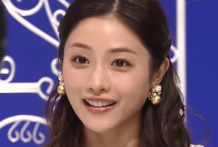 img 5a141c0dd2c1e.png?resize=1200,630 - 石原さとみは可愛い顔立ちが魅力の女優ですが、おっぱいも美しいです