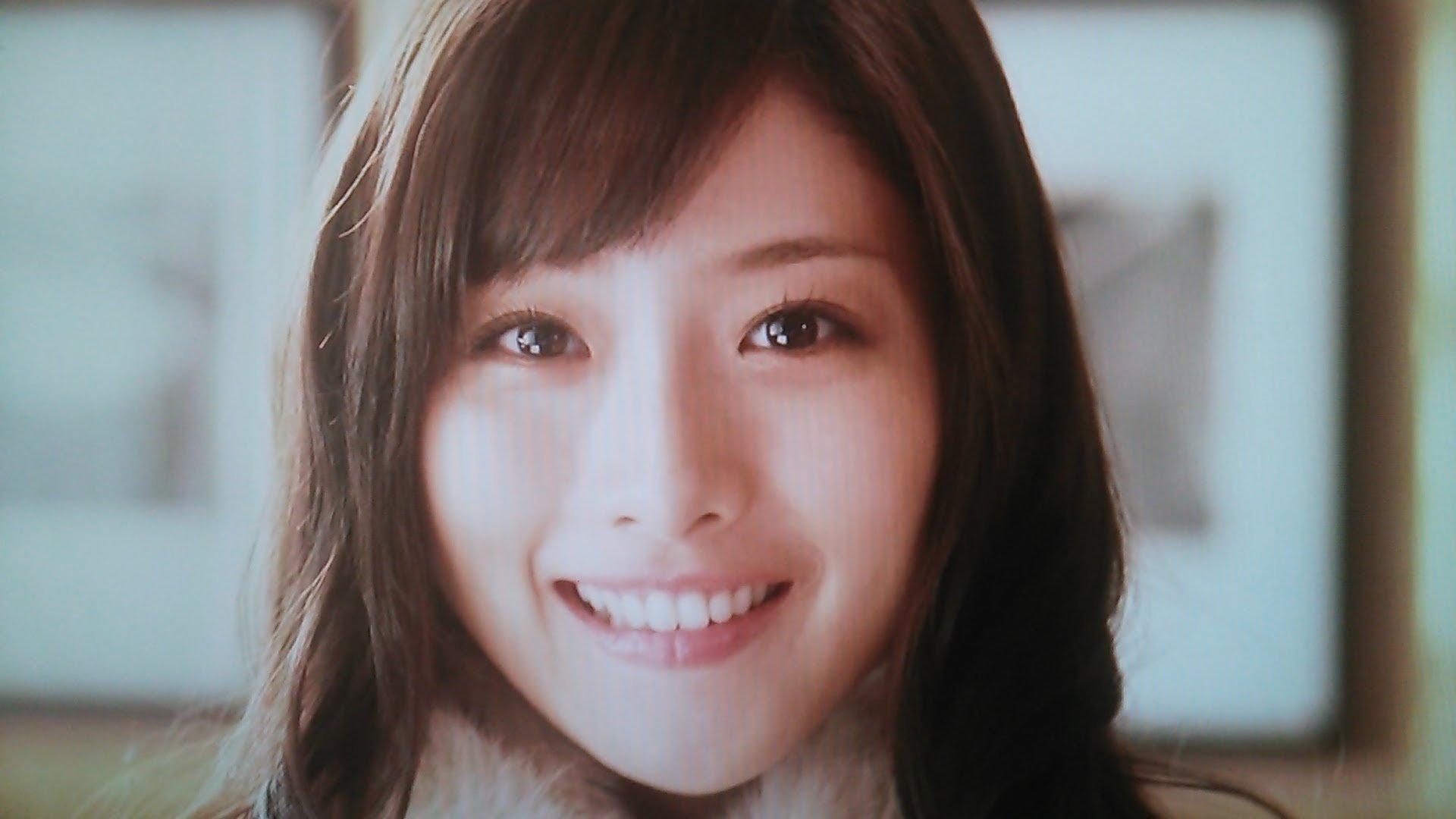 眉毛の印象が変わって美しくなった石原さとみ Hachibachi