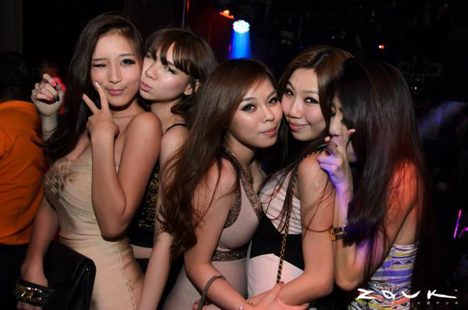 kl-girls-saturday-nightlife