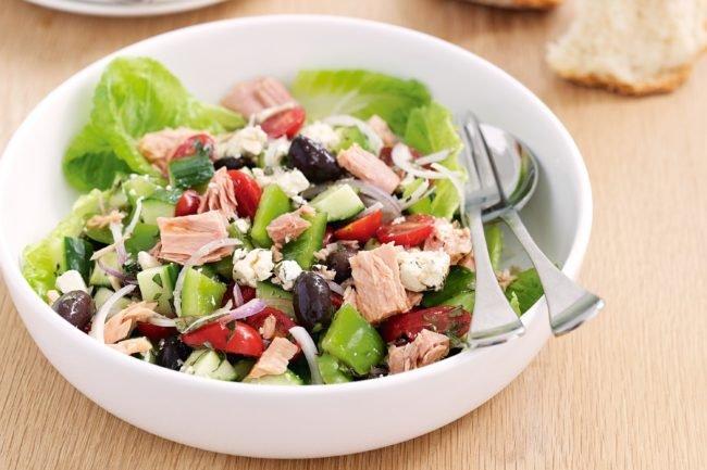 mediterranean-tuna-salad-31059-1-650x433