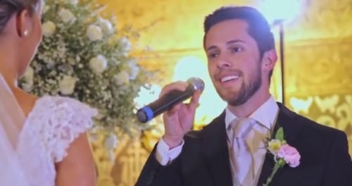 moremicrophonesone e1509506391452 - Man Sings 'Hallelujah' To His Crying Bride, Then Two More Join The Emotional Serenade