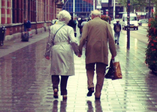 old-couples-still-love-21