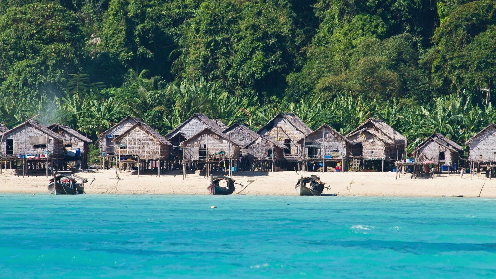 CMX7PC Thailand, Koh Surin, View of cottage with sea
