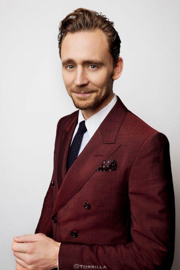 """Pinterest 684x1024 - Tom Hiddleston há 6 anos jogou Loki, o vilão dos """"Avengers"""" agora parece muito diferente"""
