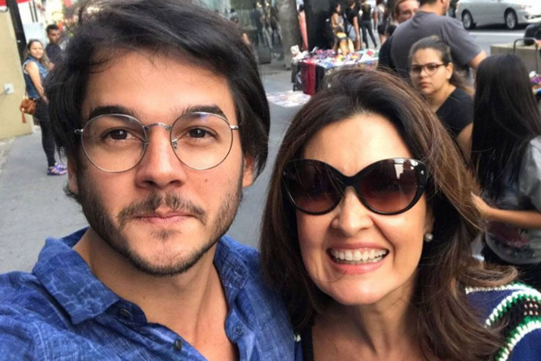 tulio gadelha fatima.jpg?resize=300,169 - Novo romance de Fátima Bernardes tem dado o que falar!