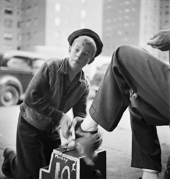 vintage-photographs-new-york-street-life-stanley-kubrick-59a925d883b2d__700