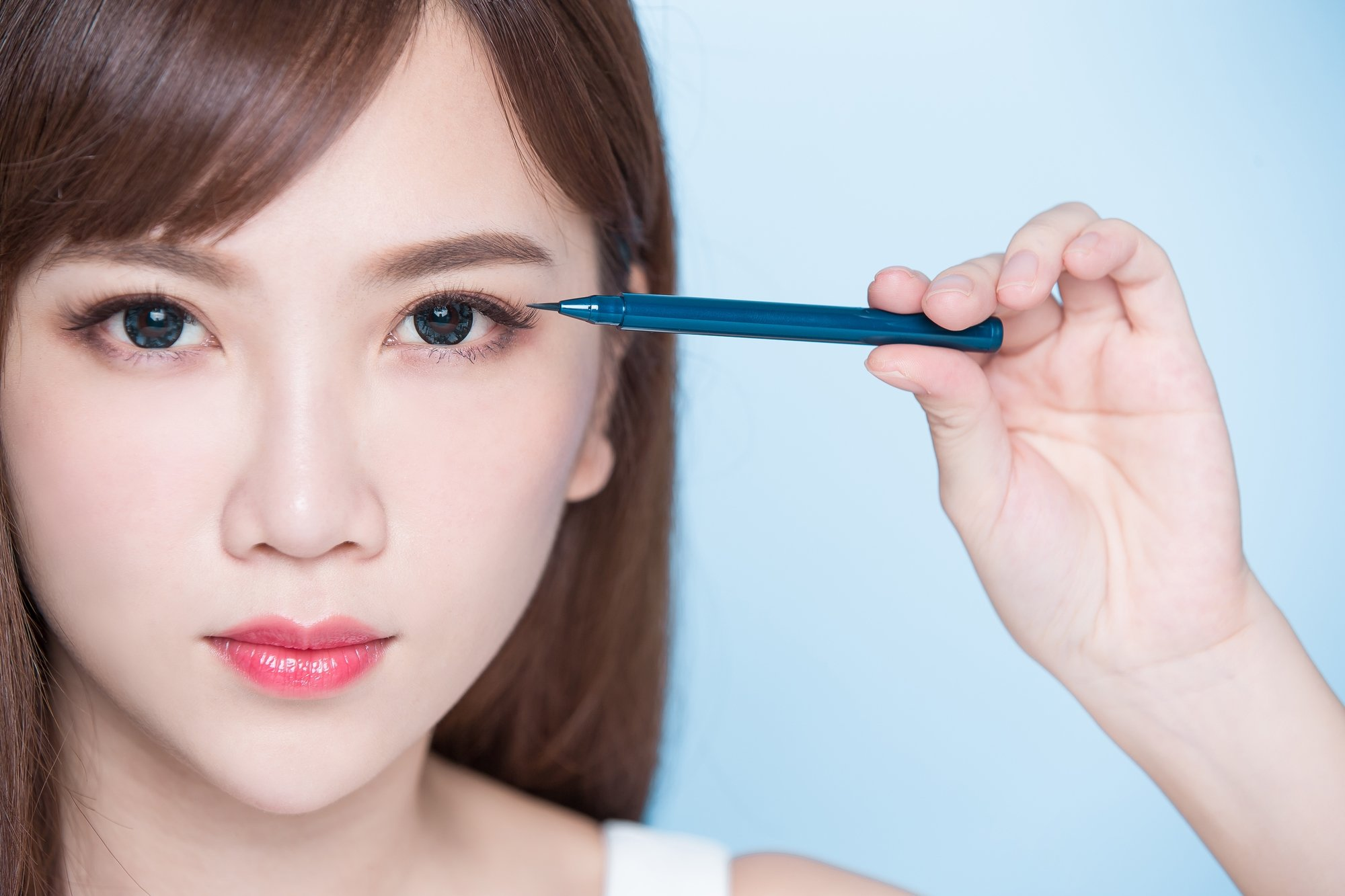what no eyeliner makeup 1.jpg?resize=412,232 - デカ目メイクで目力アップ