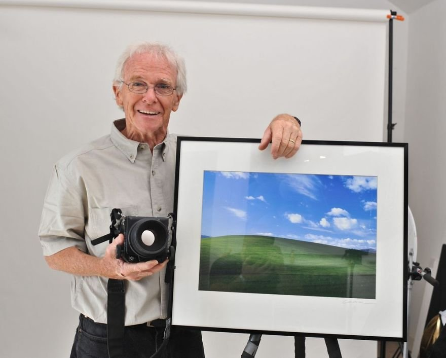 windows-xp-bliss-photographer-new-wallpapers-charles-orear-5a13e2f1756f1__880