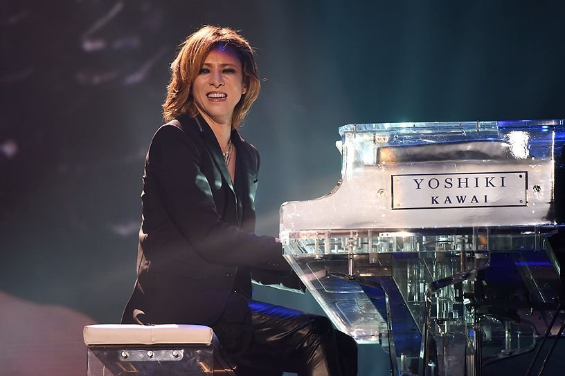 x japan perform at wembley arena 5.jpg?resize=1200,630 - 日本ロック界のカリスマx japanのyoshikiの結婚に迫る