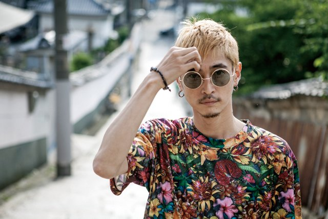 Image result for 窪塚洋介  卍LINE