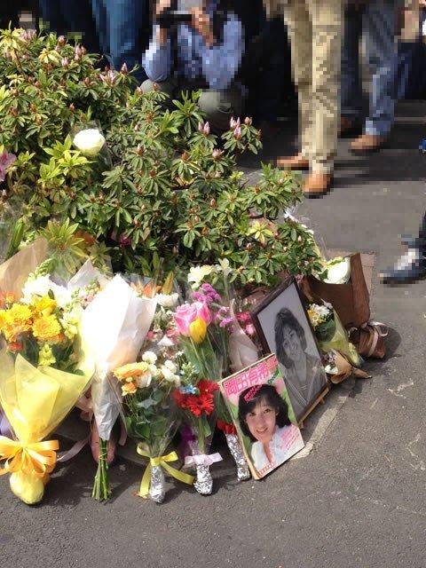 岡田有希子 自殺現場 花에 대한 이미지 검색결과