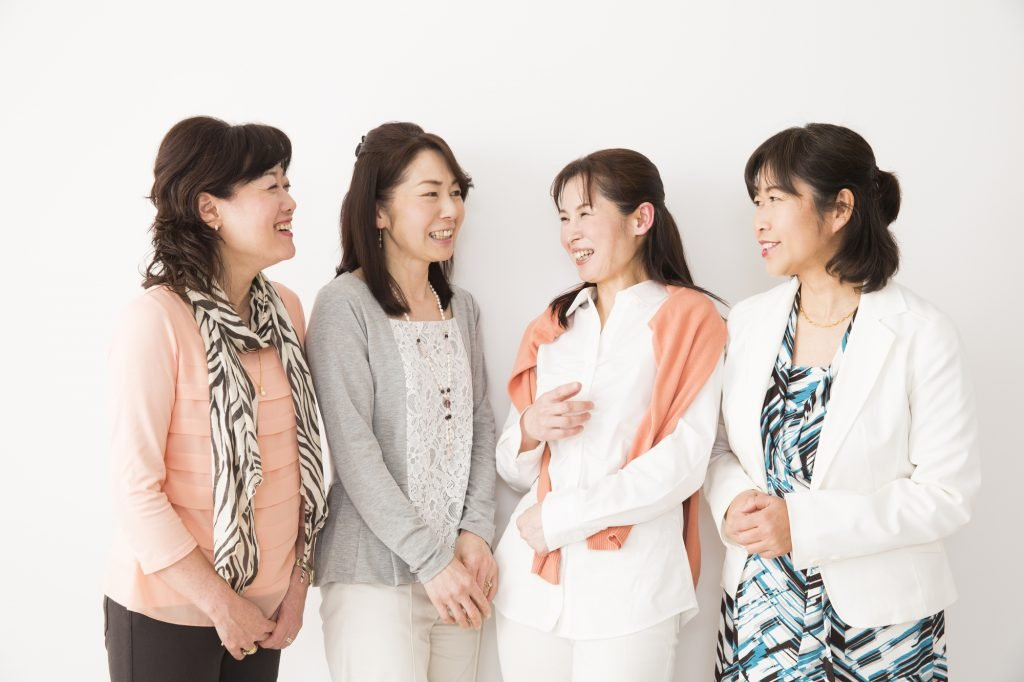 11422087 17896 1024x682.jpg?resize=300,169 - 40代の女性が同窓会で気を付けたい服装!NG例とOK例を紹介します!