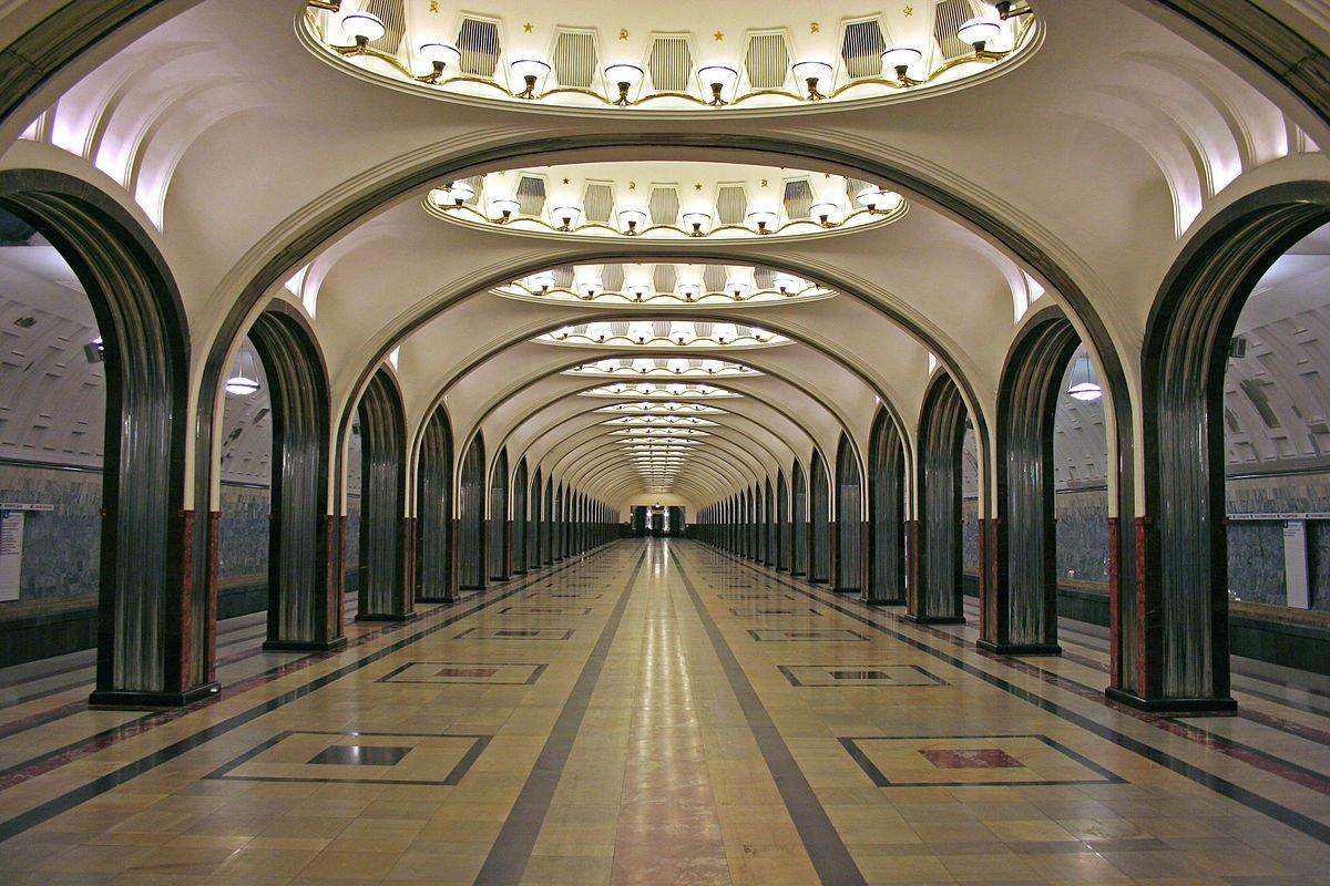 1200px-mayakovskaya_after_renewing_2010