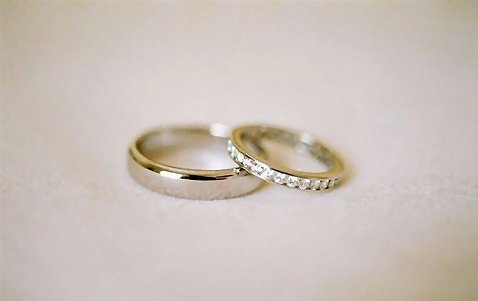 1230-closeup-of-a-pair-of-wedding-rings-or