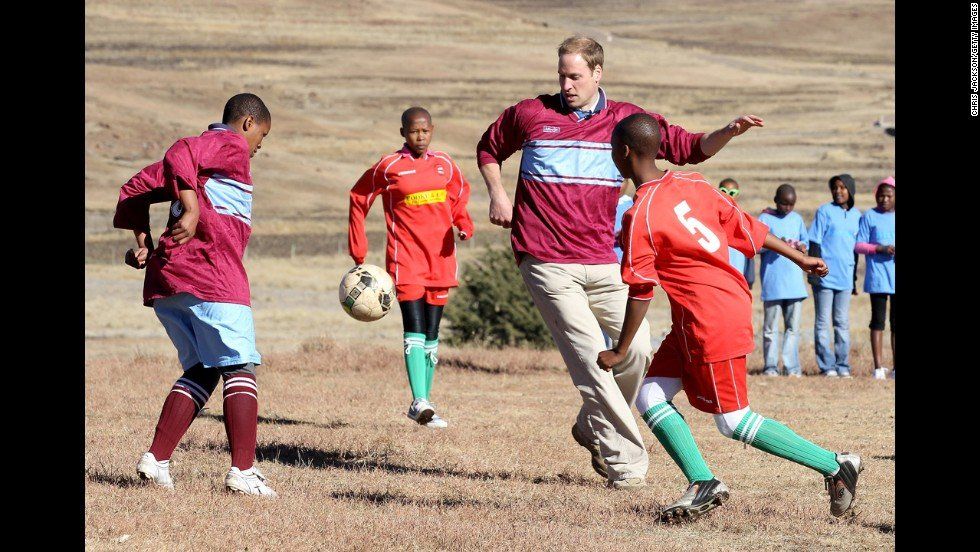 130905145352 01 royals in africa 0905 horizontal large gallery - Several Moments Of Prince William and Harry That Lead Us To Reminisce About Princess Diana.