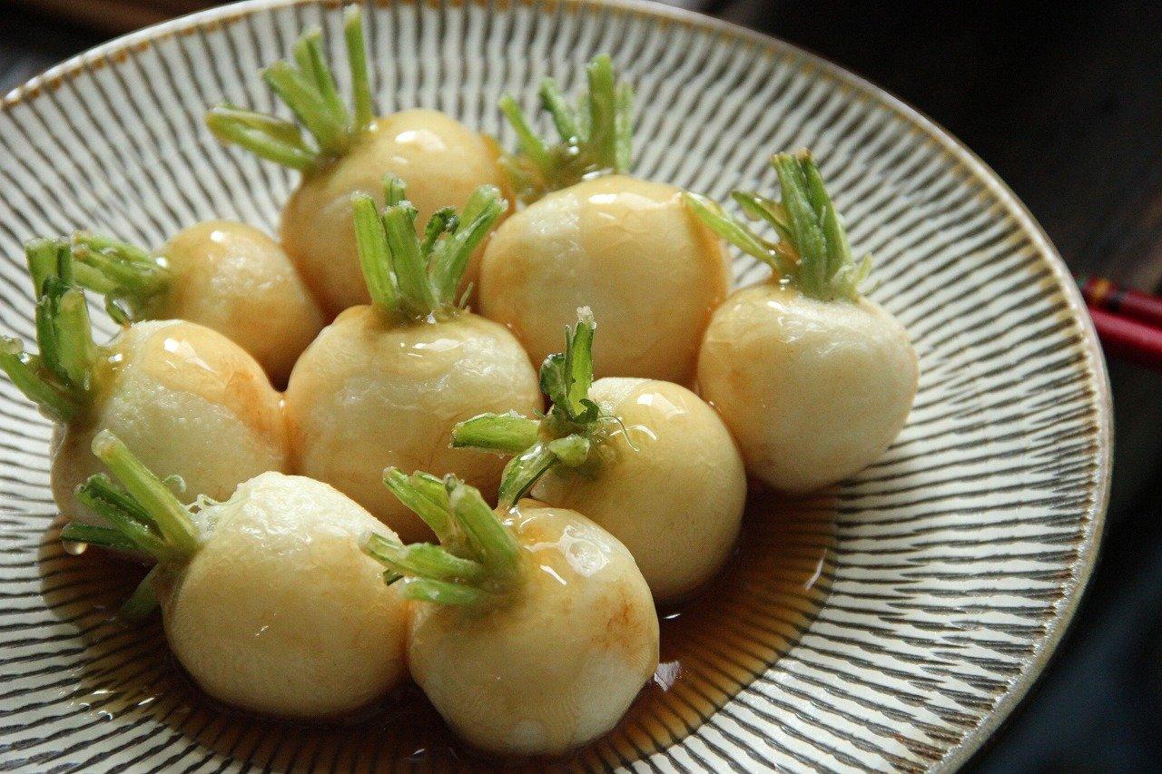 146 6 - 煮物から漬け物まで。葉まで使えるかぶ料理