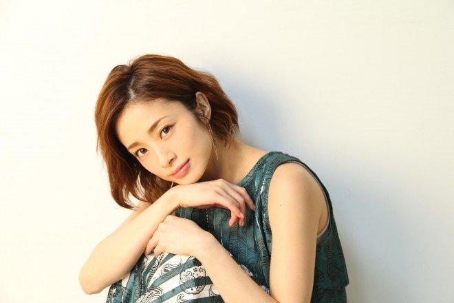 1496825007653 1 - 将来は国民的女優?上戸彩さんの結婚と今後について