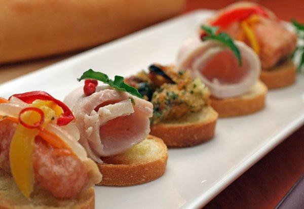 213 5.jpg?resize=1200,630 - パーティーや朝食で手軽に食べられるフランスパンのバケットレシピ