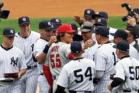 280px-matsui_greeted_by_yankees_4-13-10