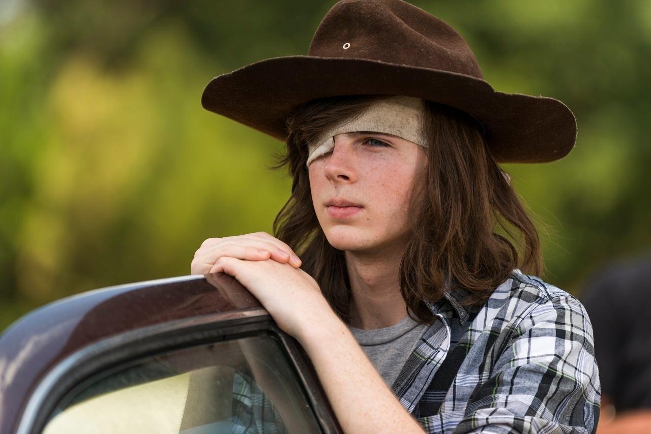 33 16.jpg?resize=1200,630 - Após anos com o mesmo visual, ator de The Walking Dead corta cabelo e choca muitos fãs