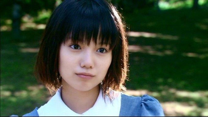 52 3 1.jpg?resize=648,365 - 大女優に変貌を遂げた宮崎あおいのグラビア時代