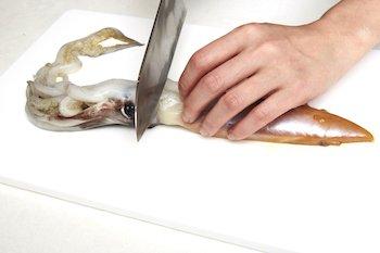 9 74 - イカの下処理も丁寧に解説!大根とイカの煮物レシピ