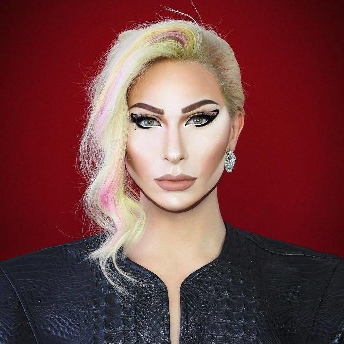 BYoBi1qFg4Z png  700 - Jovem consegue se transformar em qualquer celebridade apenas com maquiagem