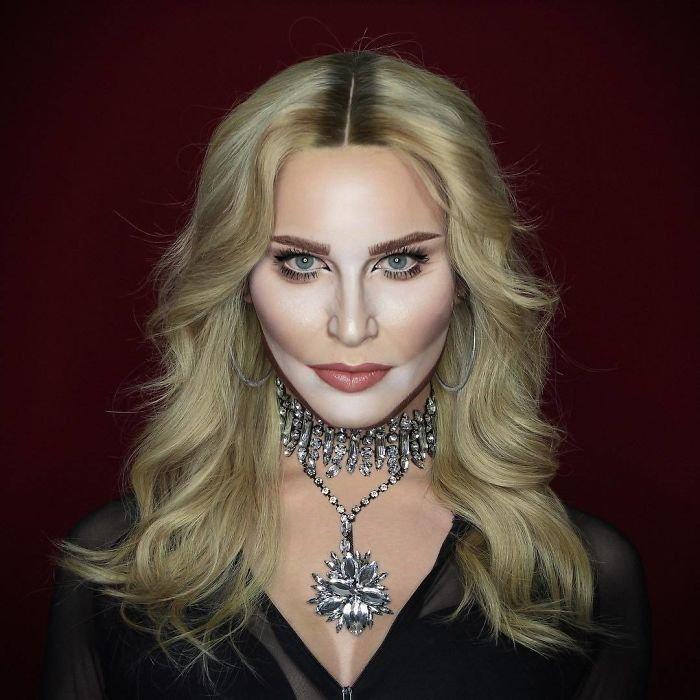 BZMUM2CF6FK png  700 - Jovem consegue se transformar em qualquer celebridade apenas com maquiagem