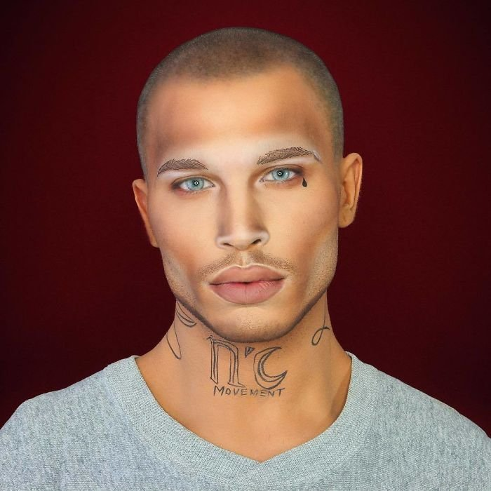 Ba9jOULFSK2 png  700 - Jovem consegue se transformar em qualquer celebridade apenas com maquiagem