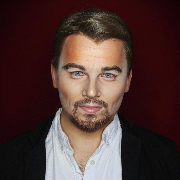 BaRsQWWFQhT png  700 - Un joven puede transformarse en cualquier celebridad solo con maquillaje
