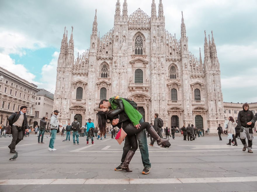 Milan 2 5a15f76c90f9b  880 - Long Distance Lovers Travel 4,000 Miles Each To Take Photo For 3 Years Then He Had A Surprise For Her