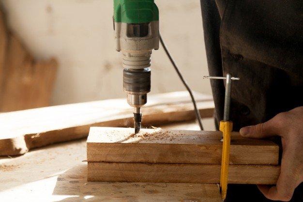Instrumentos profesionales para el concepto de carpintería Foto Gratis