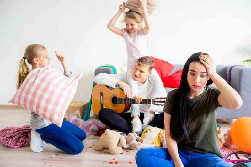 shutterstock 666825313 - Estudo revela que maridos estressam mais as mulheres do que os filhos
