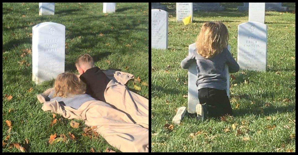 """sons visit dad - Un pequeño niño de 5 años dice que puede """"sentir a papá"""" en el cementerio y abraza la lápida de su padre"""