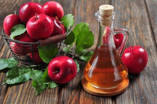 acondicionador-natural-de-vinagre-de-manzana-500x332