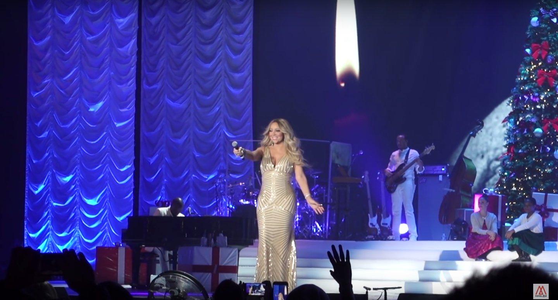 capture decran 2017 12 13 a 14 27 50.png?resize=412,232 - [Vidéo] Mariah Carey rend hommage à Johnny Hallyday en plein concert