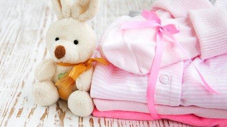 d2dbdddda44e610d50ca65568a4dd649.jpg?resize=300,169 - 可愛い小さな赤ちゃんの服を効率よく収納する方法