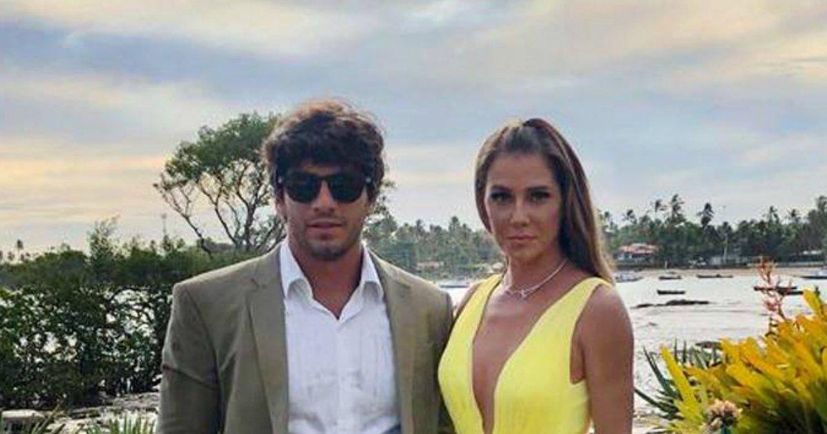 deborah - Deborah Secco aposta em look incrível, que é a cara do verão, para casamento