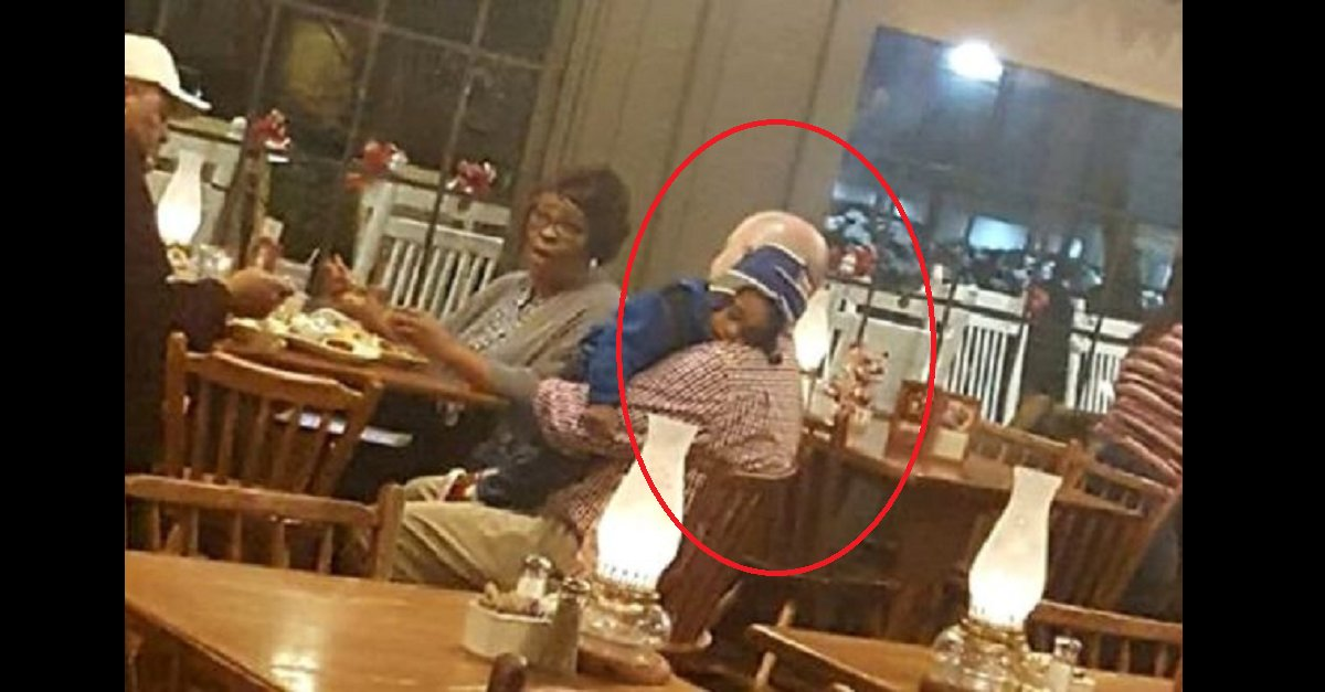 eca09cebaaa9 ec9786ec9d8c 102.png?resize=300,169 - Restaurant Manager Holds Old Couple's Sleeping Grandson To Help Them Enjoy Their Meal