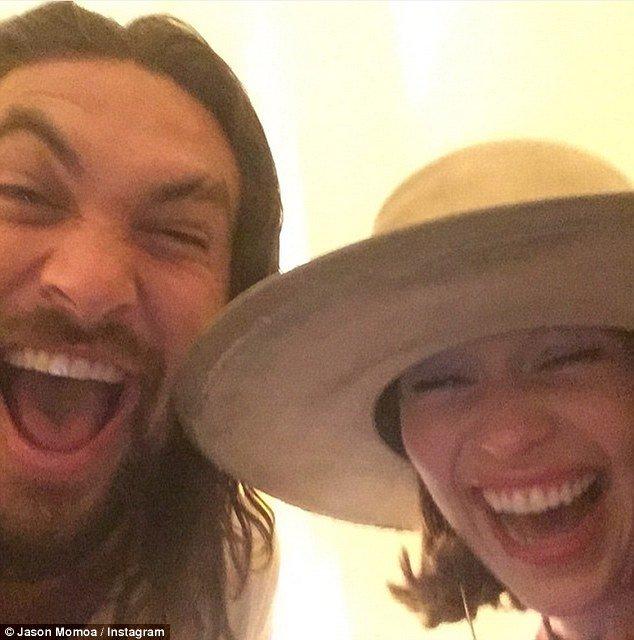 emilia clarke and jason momoa 2D17E1FD00000578 3259847 image m 88 1443995791457 - 'Game Of Thrones' Emilia Clarke Reunited With Jason Momoa