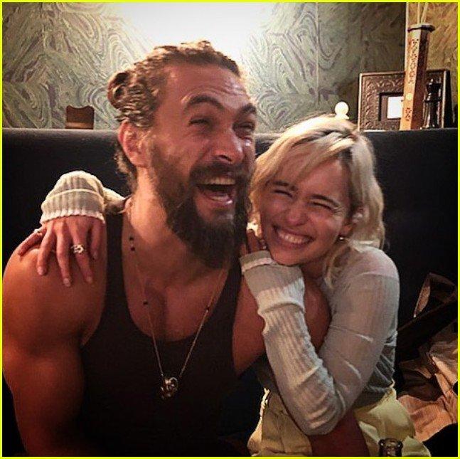 emilia clarke and jason momoa emilia clarke jason momoa got reunion 02 - 'Game Of Thrones' Emilia Clarke Reunited With Jason Momoa