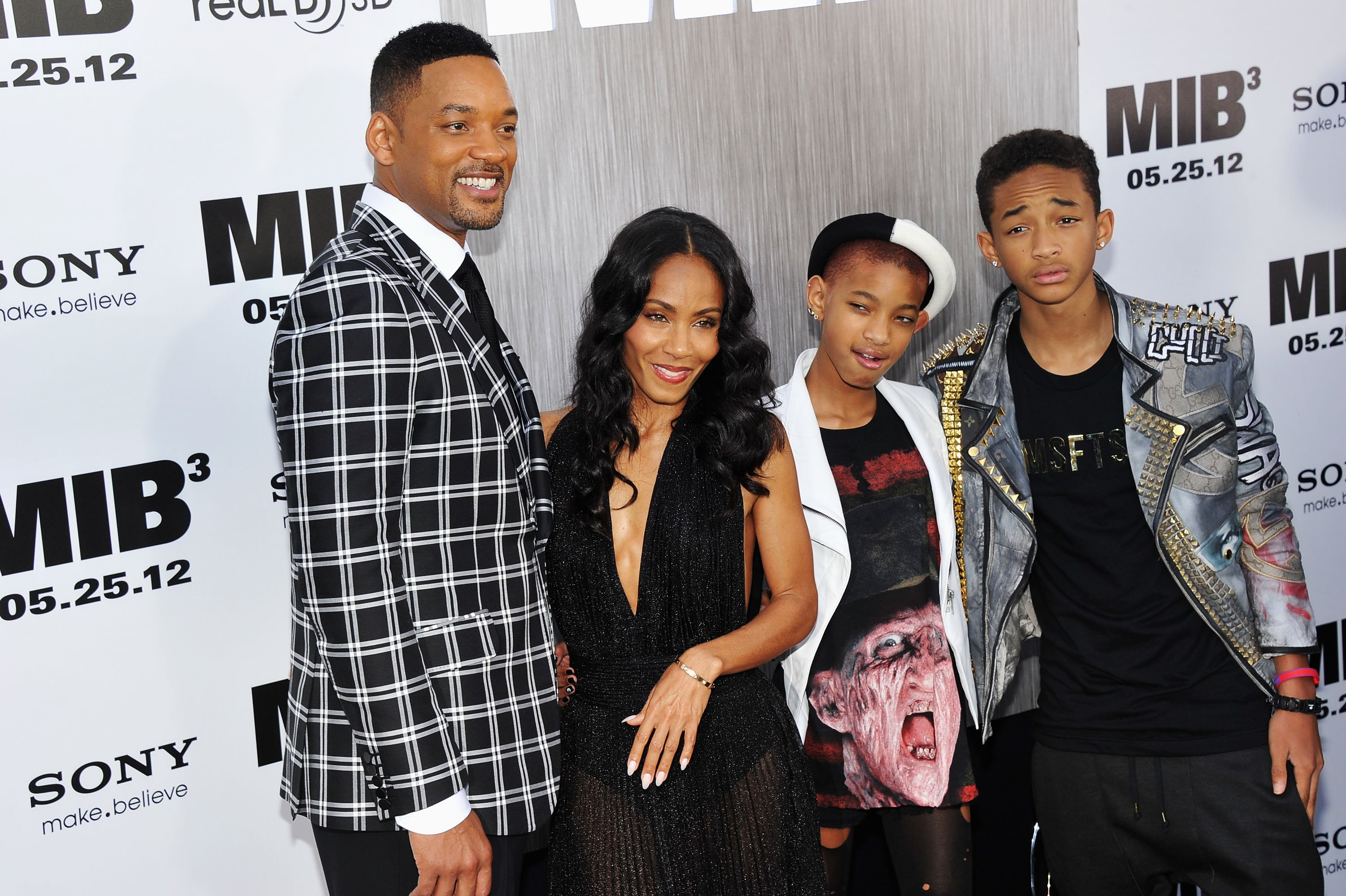 "NEW YORK, NY - MAY 23: Will Smith, Jada Pinkett Smith, Willow Smith and Jaden Smith attend the ""Men In Black 3"" New York Premiere at Ziegfeld Theatre on May 23, 2012 in New York City. (Photo by Theo Wargo/Getty Images)"