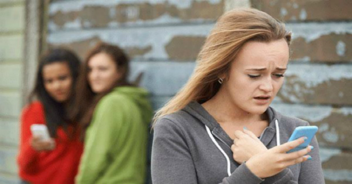 "how to protect your child from online bullies 136410090517103901 160926161504 2.jpg?resize=300,169 - ""부끄럽고 수치스럽다""... 자신의 딸이 '왕따 가해자'라는 걸 알게 된 아버지의 '참교육'"