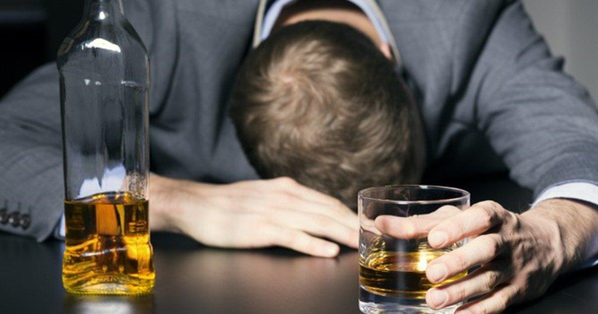 "img746351.jpg?resize=412,232 - ""코로나로 답답하다고 술 마시면 알코올 '중독'될 가능성 크다"" 당신이 과음일 증거 6가지"