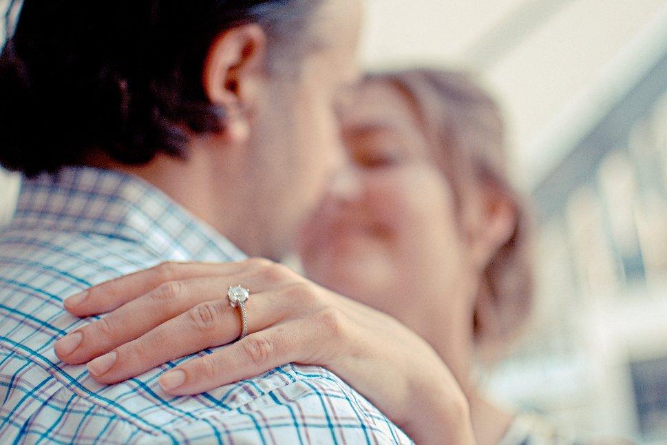 img 5a2401549bb78 - もう不倫は遅れてる!?「婚外恋愛」という提案