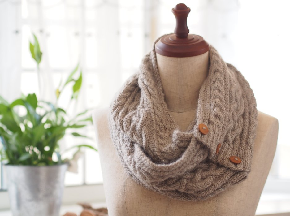 img 5a28d6a03d373 - イマドキだからこそ手作り!ざっくり編みスヌードの作り方